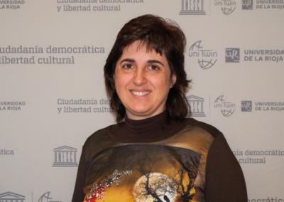 Esther Raya Díaz